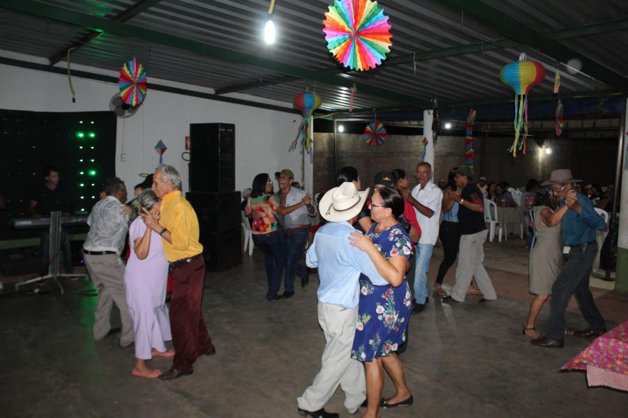 Grupo Renascer participa da Noite do Xote